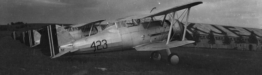 Gloster Gladiator 423